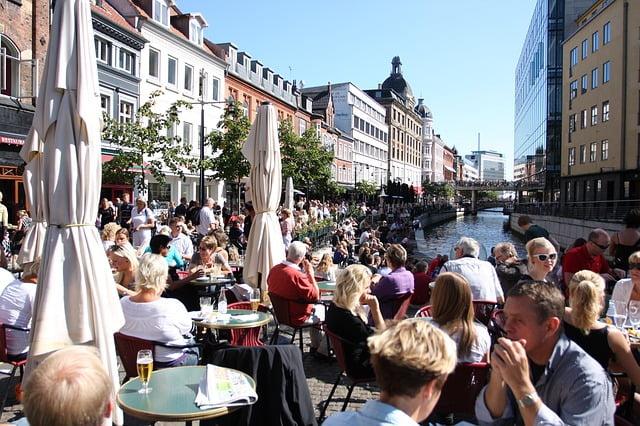 udendørs spisested i Århus
