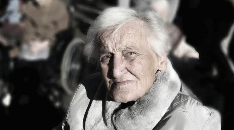 kvinde har demens