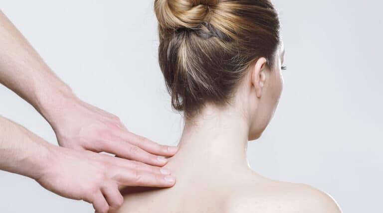 kvinde for kropsterapi