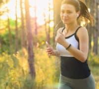 pige der løber