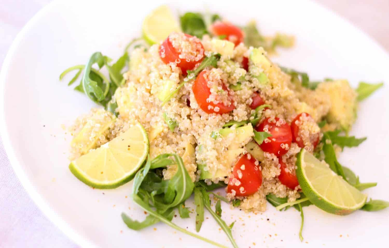 quinoa frø i salat superfood